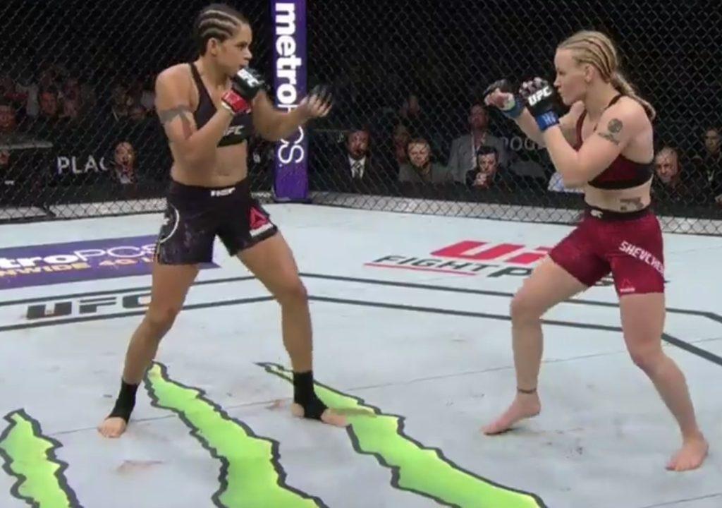 Amanda nudges out Valentina in a close fight : UFC 215 -