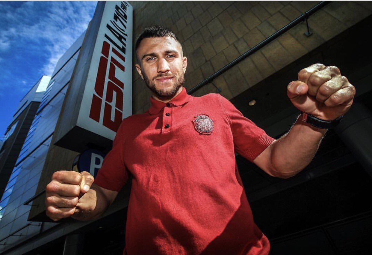 Vasyl Lomachenko offers to fill Paulie's shoes against Conor Mcgregor -