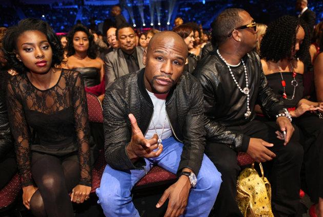 Floyd Mayweather teases a billion dollar comeback in the UFC -