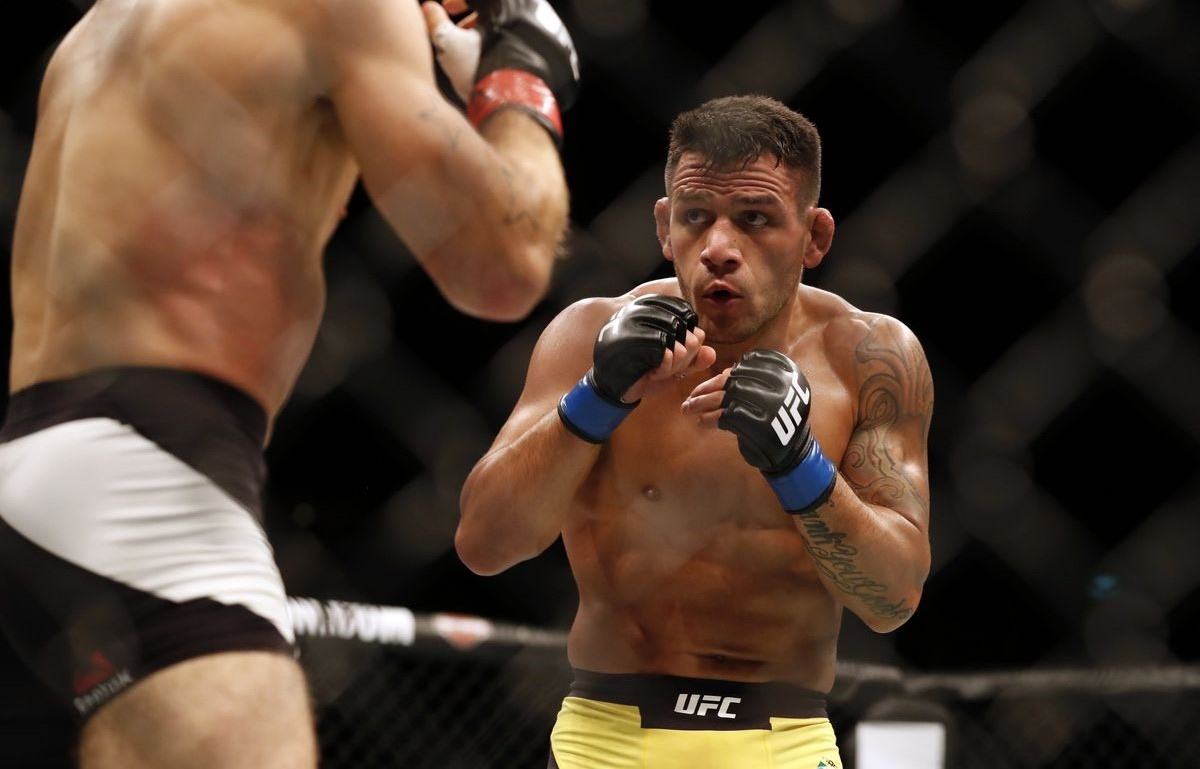 Rafael Dos Anjos on Tyron Woodley ducking him to fight Nate Diaz