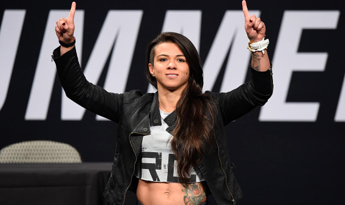 Claudia Gadelha vs. Carla Esparza announced for UFC 225 - Claudia Gadelha