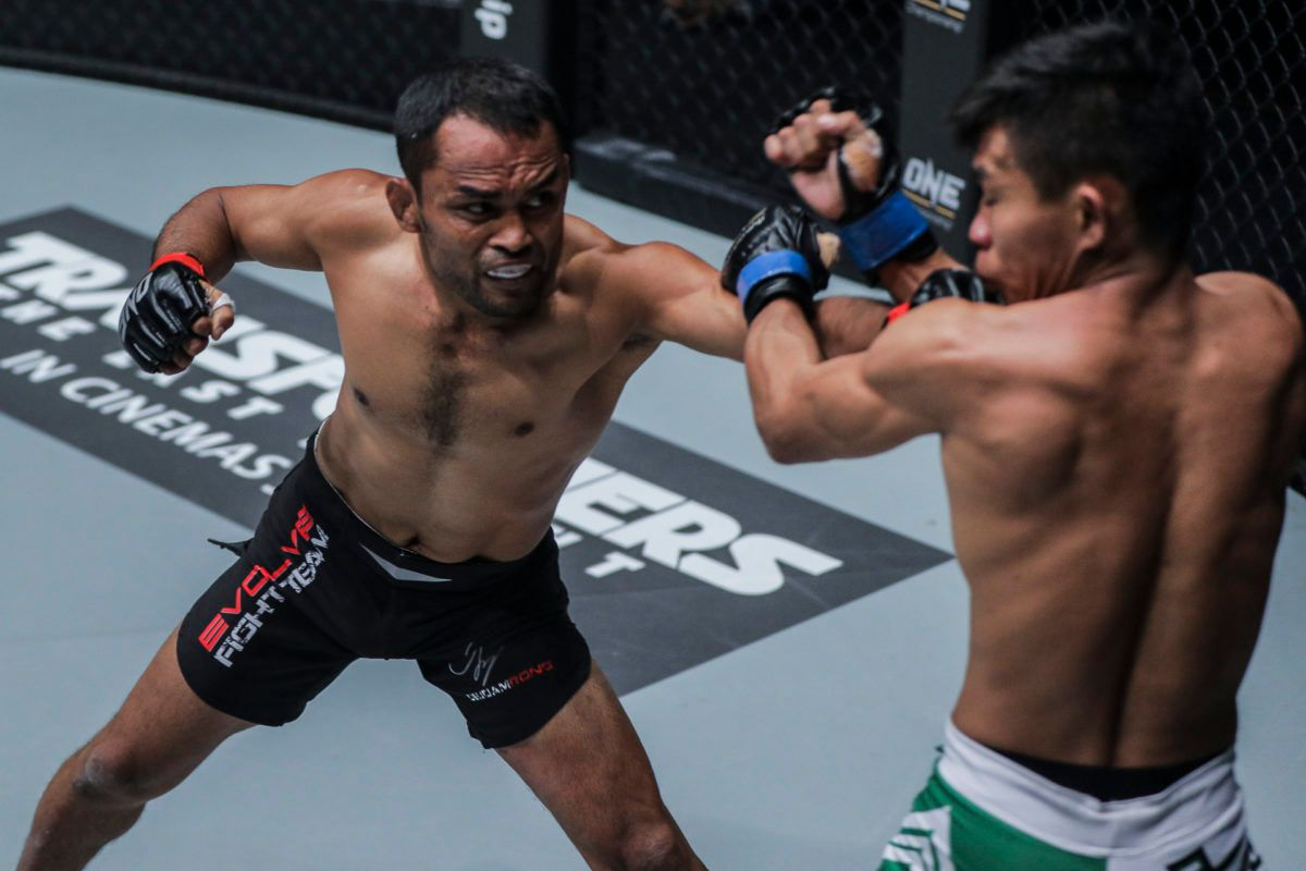 Dejdamrong Sor Amnuaysirichoke still finds hope and fulfillment in lacing up gloves at 39 years old -