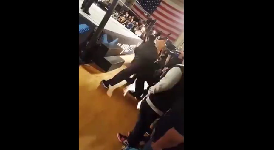 Pro-wrestling: Indie wrestler gets attacked by the Dad of the girl he spat on - Pro-wrestling