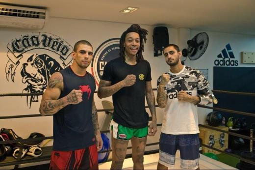 Wiz Khalifa trains MMA with Lucas Martins from Brave CF -