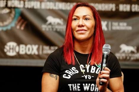 UFC: Cris Cyborg feeds 222 cheeseburgers to the needy with reference to her victory at UFC 222 - Cris Cyborg