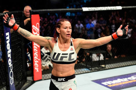 UFC: Cris Cyborg's UFC 222 open workouts interrupted by mysterious man in a mask - Cris Cyborg