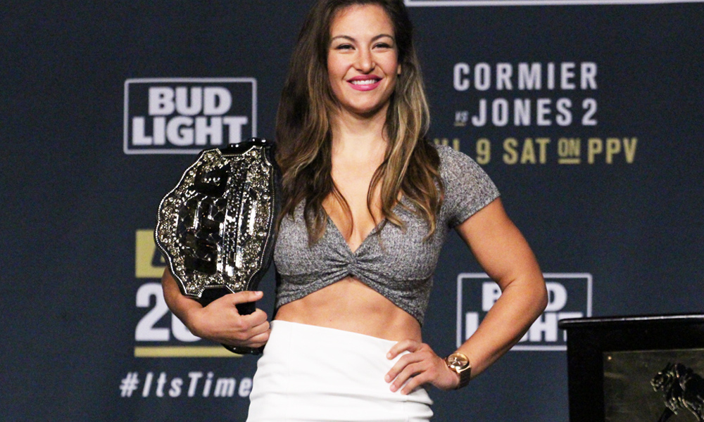 UFC: Miesha Tate saves her dog from an attack - Miesha Tate