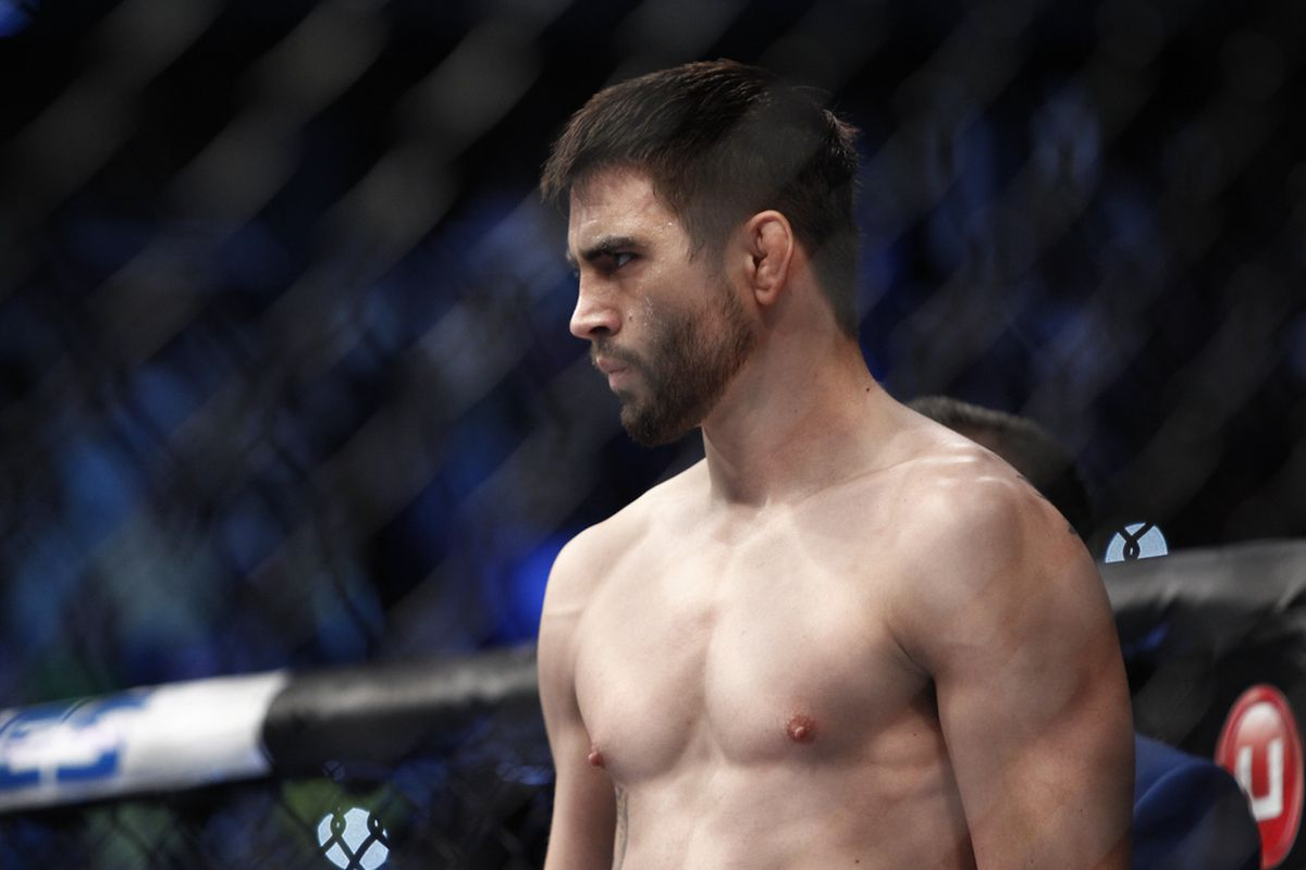 UFC: Carlos Condit has a new opponent and will now face Cowboy at UFC ON FOX 29 - Carlos Condit