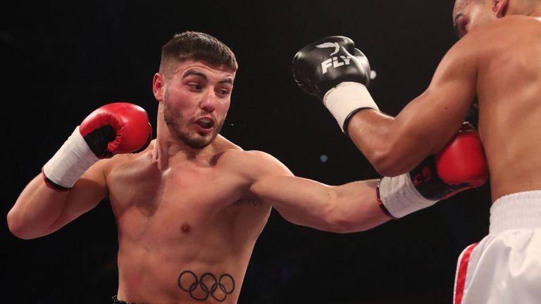Boxing: Josh 'Pretty Boy' Kelly easily beats former world champion Carlos Molina - Molina