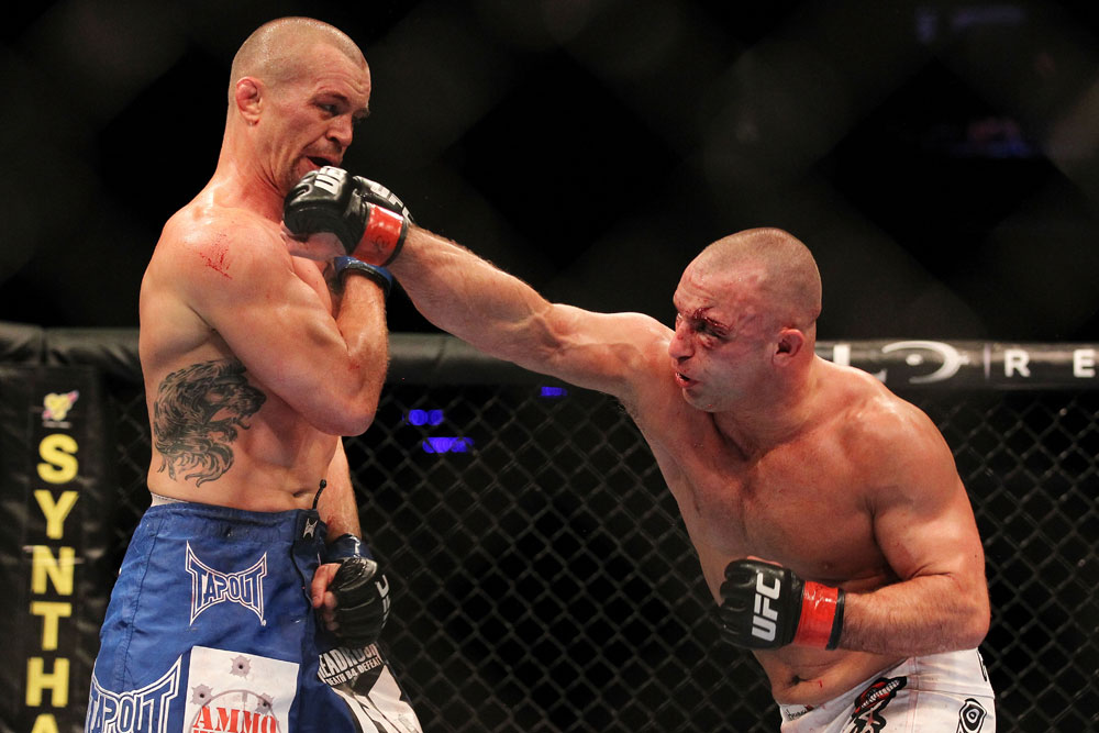 UFC: Matt Serra verbally slams referee Leon Roberts, claims Roberts cost Demian Maia his fight at UFC Chile - Matt Serra