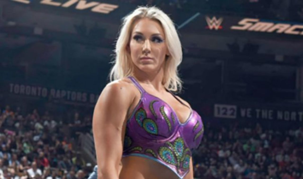 WWE: Charlotte Flair loses a tooth at a Live Event in Germany - Charlotte Flair