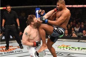UFC: Alistair Overeem highlights a post that shows that he has the best striking accuracy in the UFC - Alistair Overeem