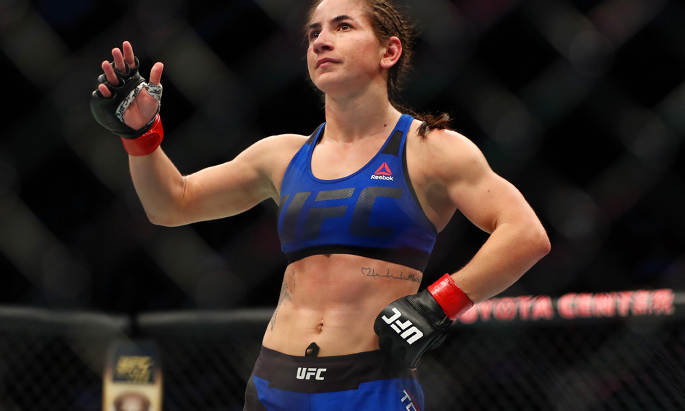 """UFC: Tecia Torres feels Joanna Jedrzejczyk should be more humble, says Jedrzejczyk has no right to call herself the """"Queen"""" of strawweights - Tecia Torres"""
