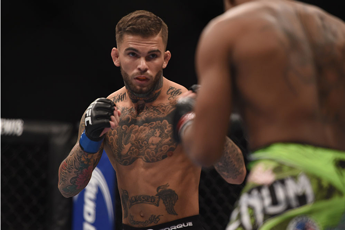 UFC: Cody Garbrandt sparring with Mikey Garcia to prepare for his TJ Dillashaw fight - Cody Garbrandt