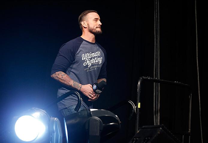 UFC: Joe Rogan says that CM Punk belongs to the Amateur circuit and not the pay-per-view - CM Punk