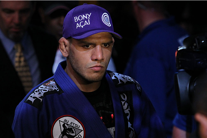 UFC: Rafael Dos Anjos says that Colby Covington is just a Conor McGregor knockoff - Rafael