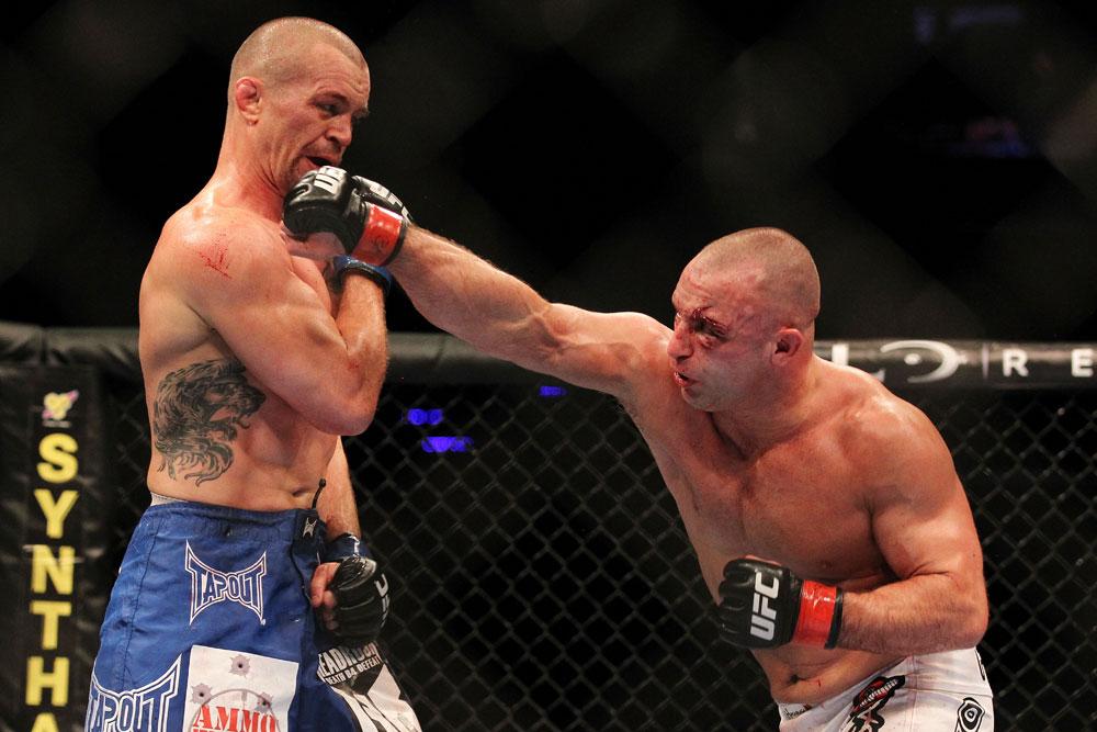 Matt Serra subdues angry drunk in Vegas - Serra