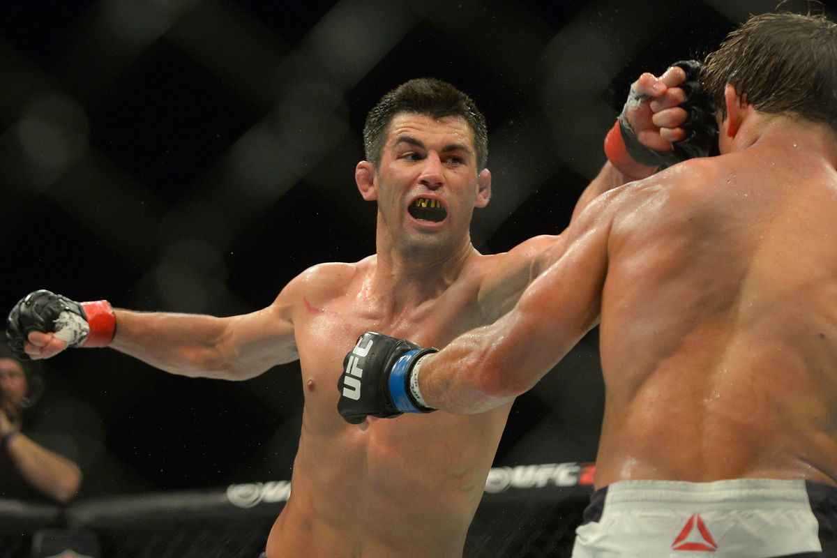 UFC: Dominick Cruz thanks his supporters after winning the award of Best Analyst - Dominick Cruz