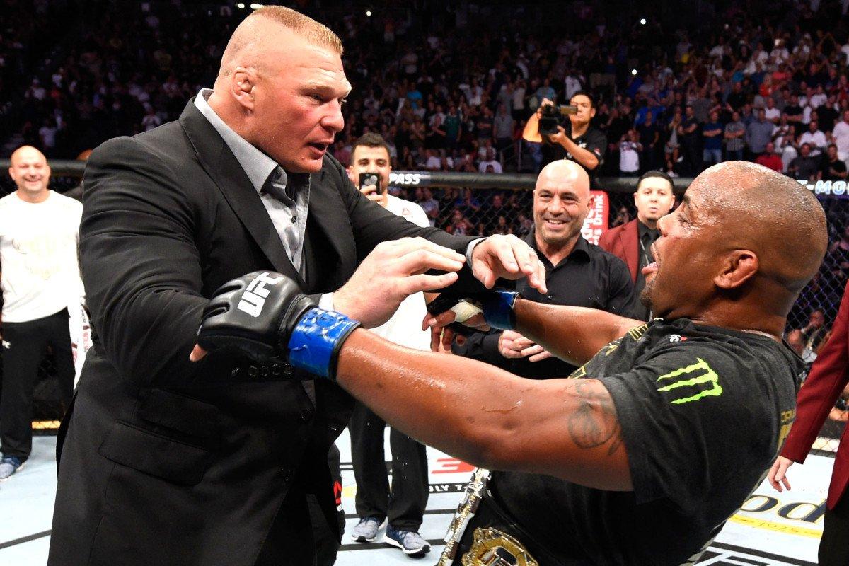 UFC: Brock Lesnar SHOVES Daniel Cormier during post fight interview (VIDEO) - Cormier