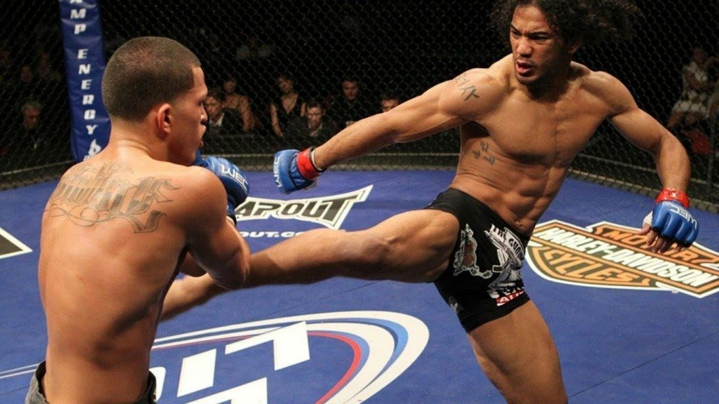 Benson Henderson wins superfight against BJJ legend Eduardo Telles. -