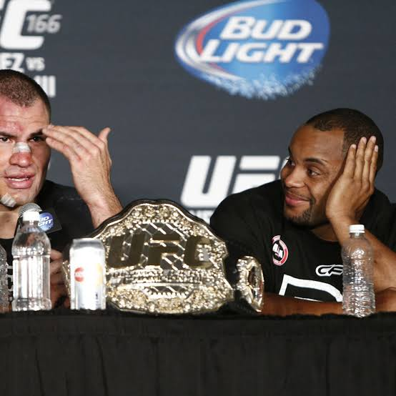 UFC : Daniel Cormier still thinks Cain Velasquez is the greatest UFC heavyweight of all time -