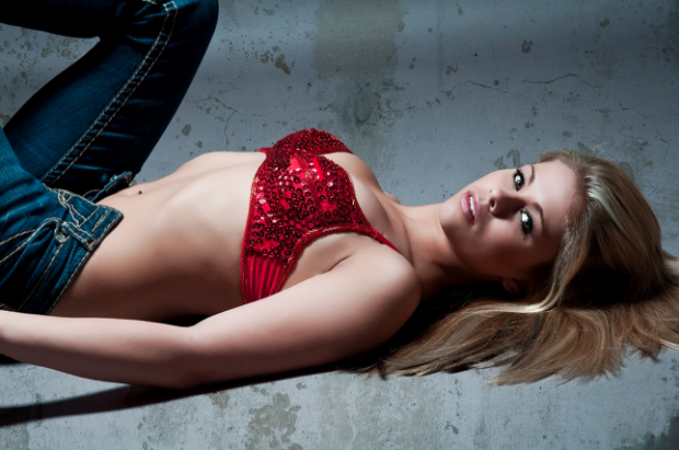 Photos : The Paige Michelle VanZant Story. -