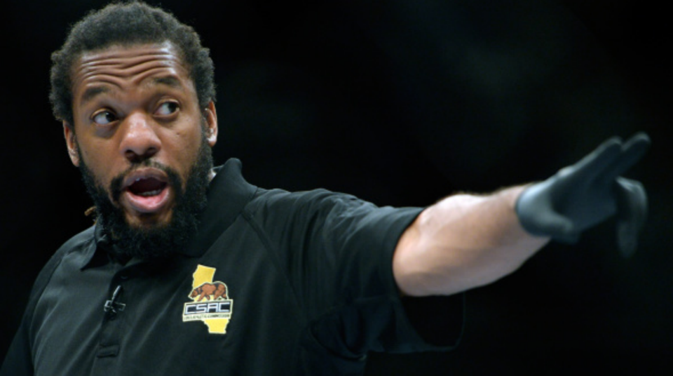 UFC: Referee Herb Dean explains the infamous 12-to-6 elbows rule - Herb Dean