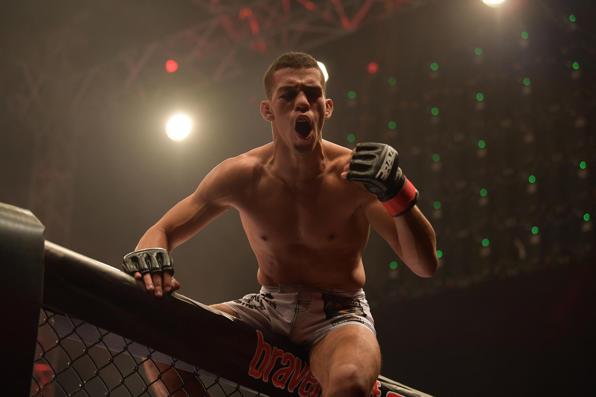 Brazilian fighter awarded Fan's Fight of the Night -