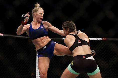 UFC: Holly Holm successfully undergoes knee surgery, to be out until 2019 - holly