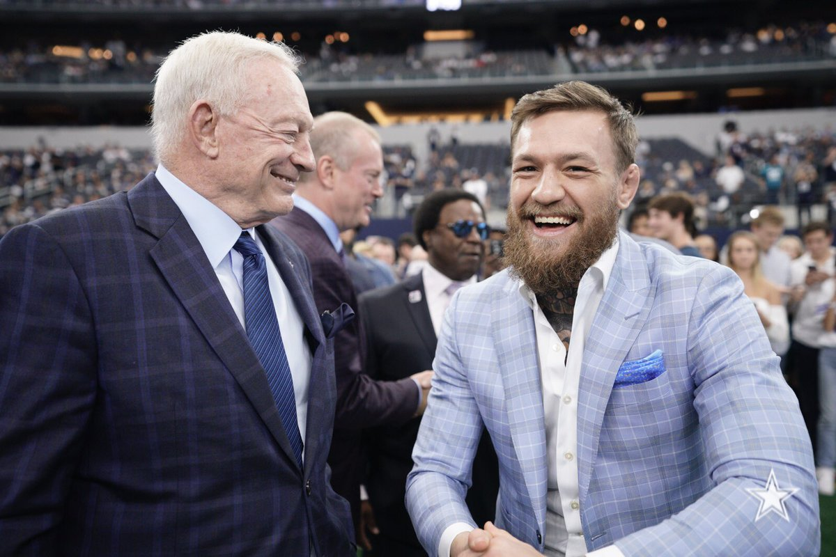 Twitter reacts to Conor McGregor's appearance at the Dallas Cowboy's game - McGregor