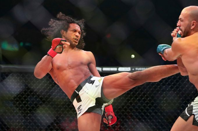 Twitter reacts to Benson Handerson's victory over Saad Awad - Henderson