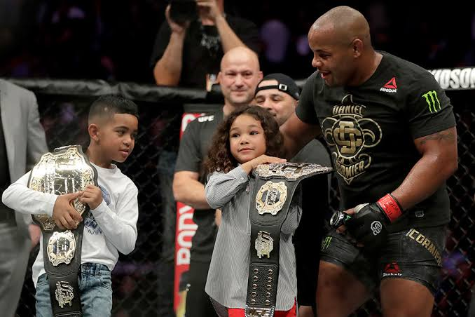 DC's daughter had a very touching reaction on seeing Derrick Lewis lose their UFC 230 fight -
