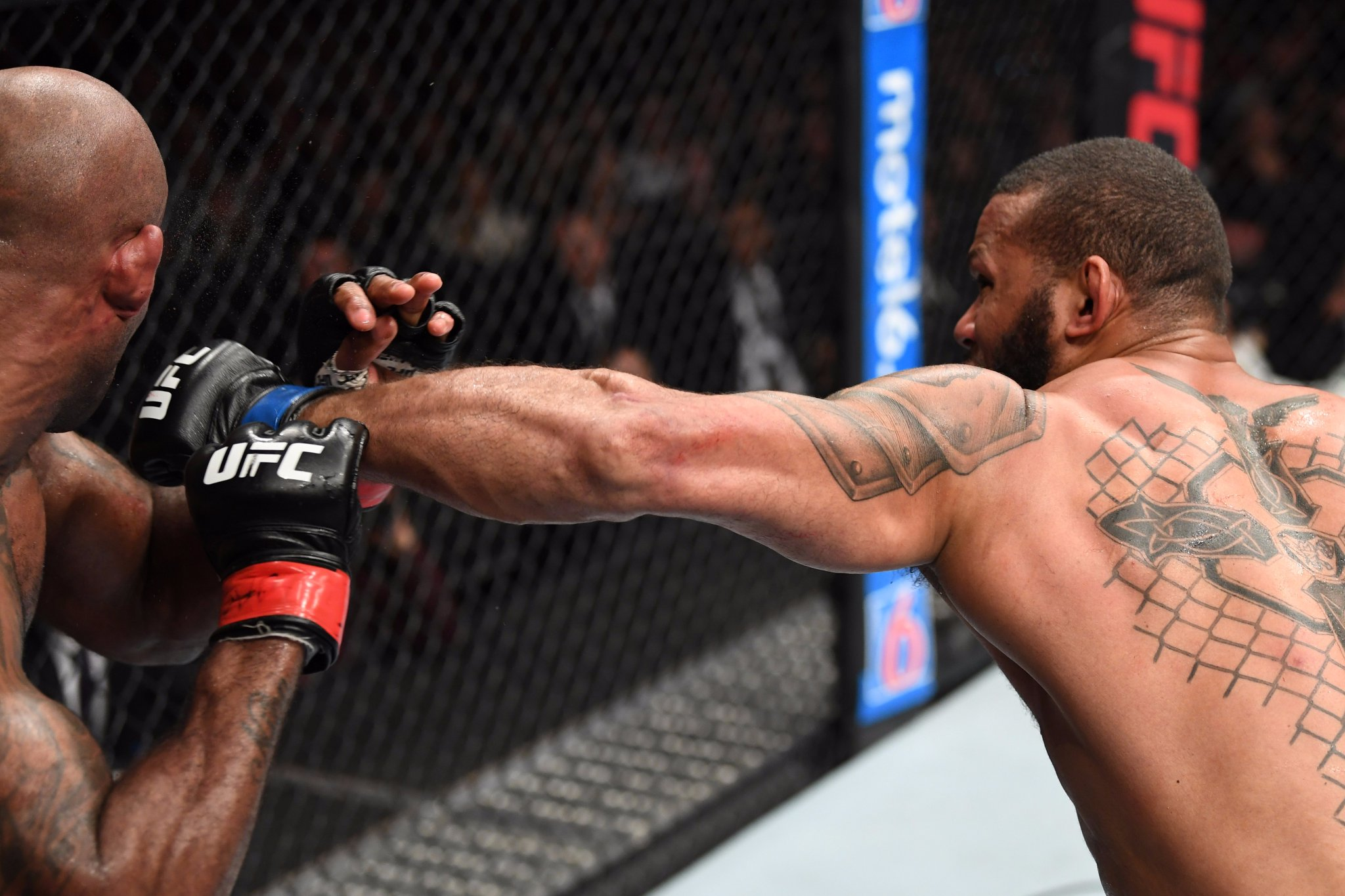 UFC 231 'Holloway vs. Ortega' Results - Thiago Santos Flattens Jimi Manua in the Wildest Fight of the Year -