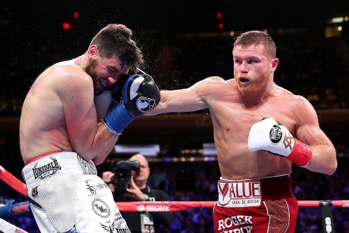 VIDEO: Canelo Alvarez knocks out Rocky Fielding with a BRUTAL body shot - Canelo