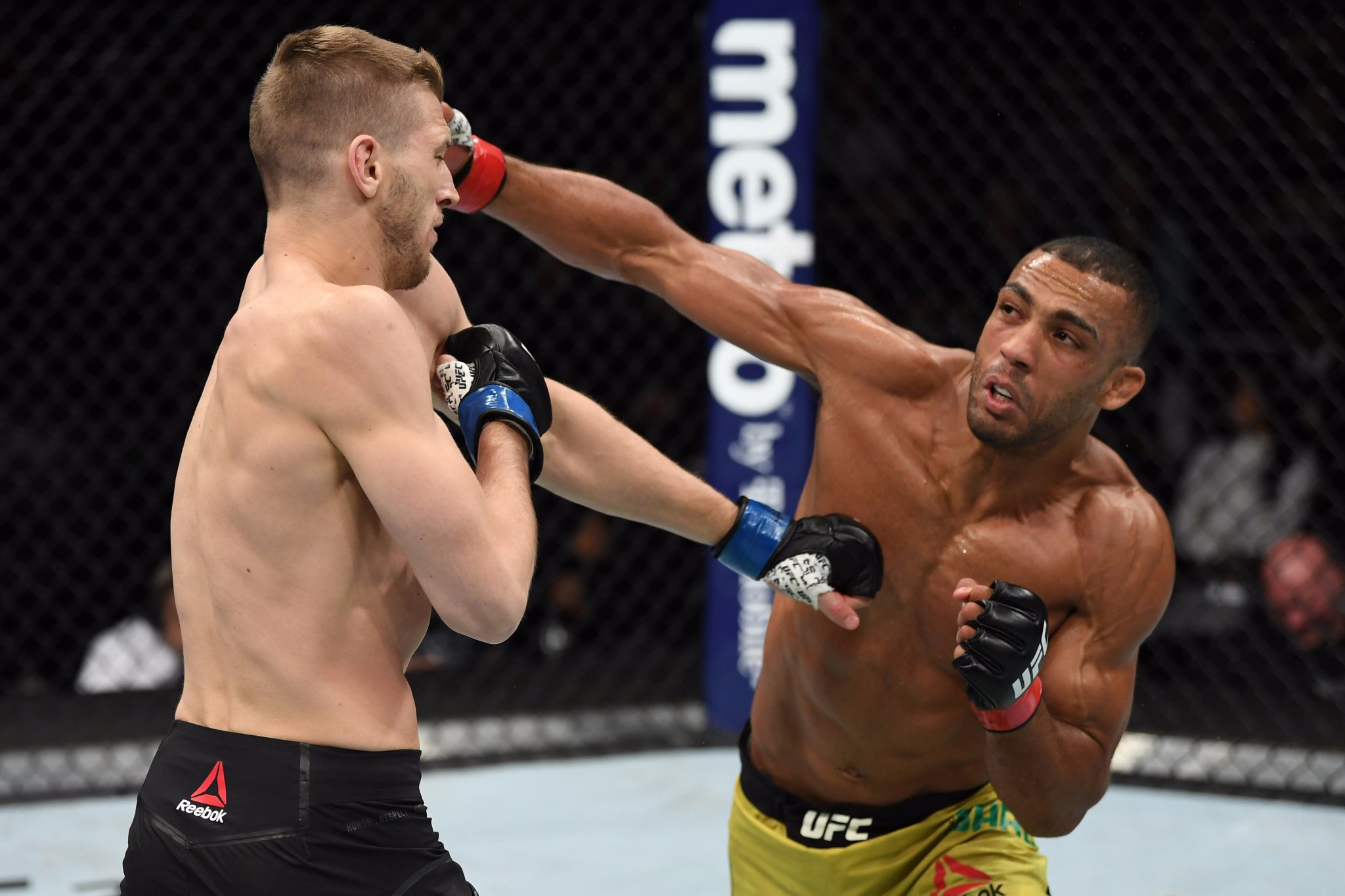UFC on FOX 31 Results - Edson Barboza Decimates Dan Hooker for Three Rounds -