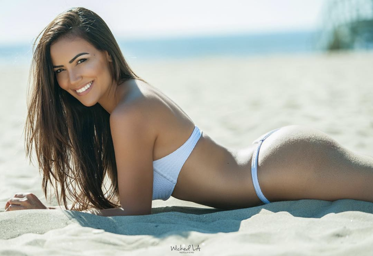Luciana Andrade one of the hottest UFC Octagon Girl -