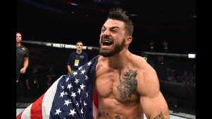 VIDEO: Mike Perry drops his girlfriend in a sparring session - Mike Perry