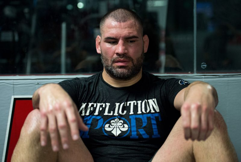 Watch: Cain Velasquez feels that he could definitely beat Jon Jones -