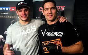 UFC: Watch: Hilarious Chris Weidman plays the translator for Gian Vilante for an English interview - Villante