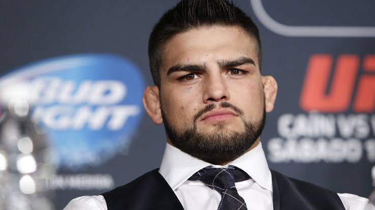 UFC: Kelvin Gastelum declares himself as the UFC champ after Robert Whittaker was forced to withdraw from UFC 234 - Gastelum