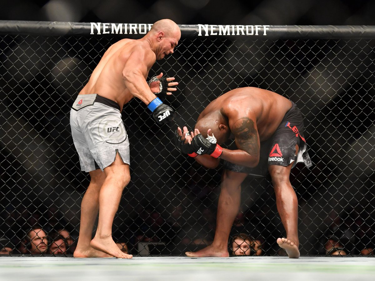 Twitter reacts to 2nd round TKO victory of Junior Dos Santos over Derrick Lewis - Derrick