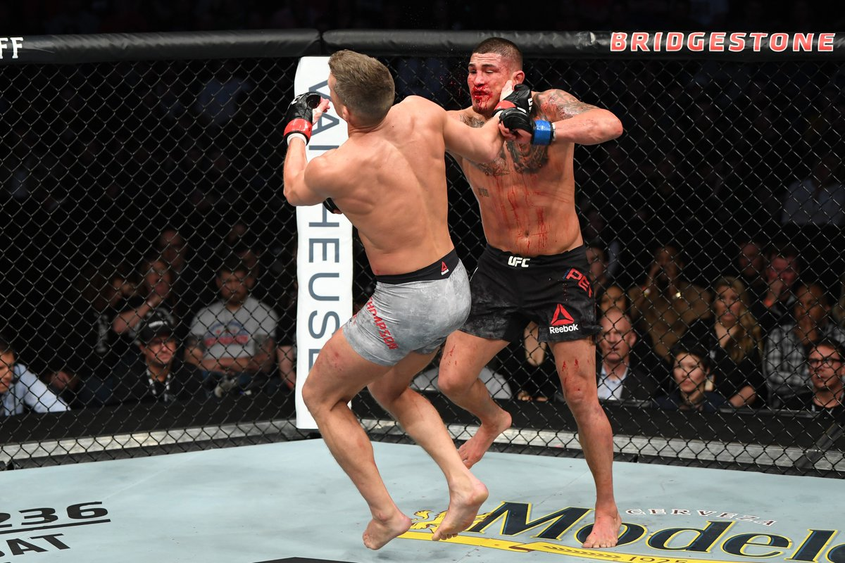 Twitter reacts to Anthony Pettis' devastating knockout win over Stephen Thompson - Anthony