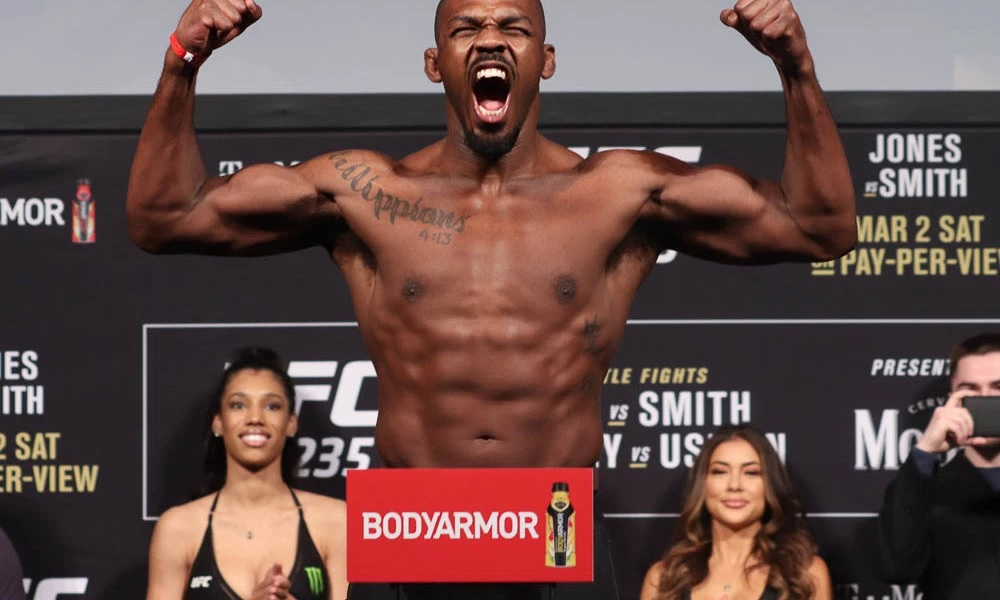 UFC 235 Results: Jon Jones Retains his Belt in a Slow Paced & Boring Title Fight -