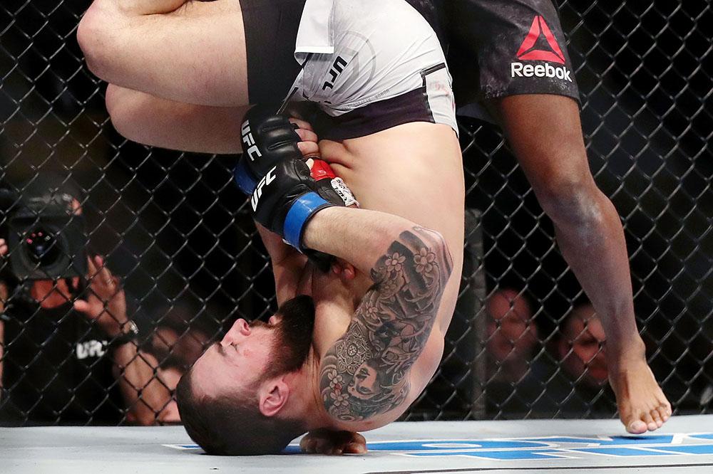UFC on ESPN 2 'Barboza vs. Gaethje' Results - Paul Craig Submits Kennedy Nzechukwu via Triangle Choke in Round 3 -