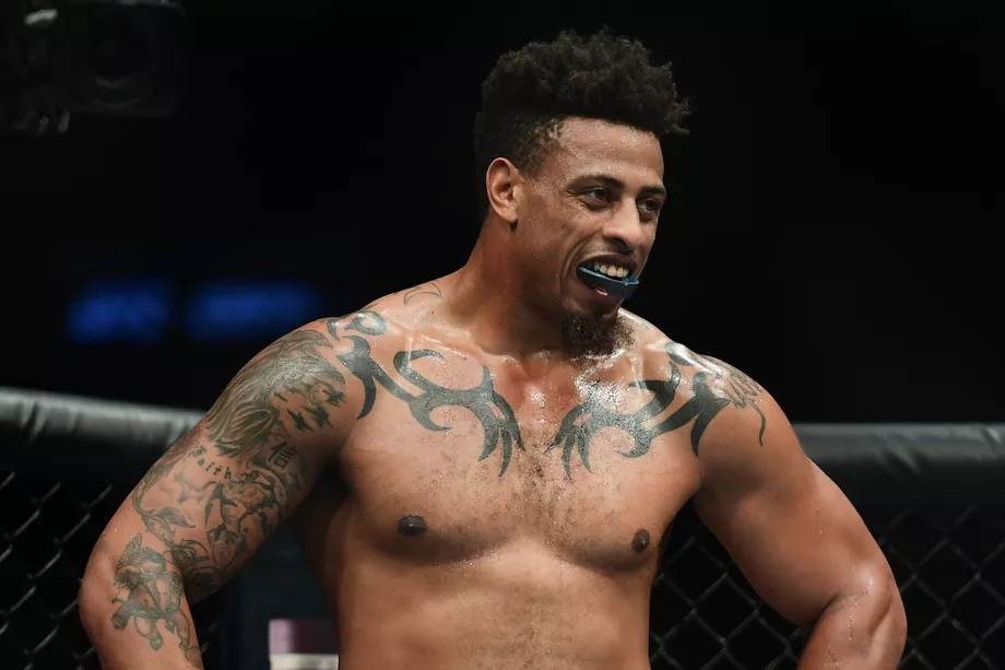 UFC Fight Night 150 Results - Greg Hardy Scores an Easy First Round TKO Win -