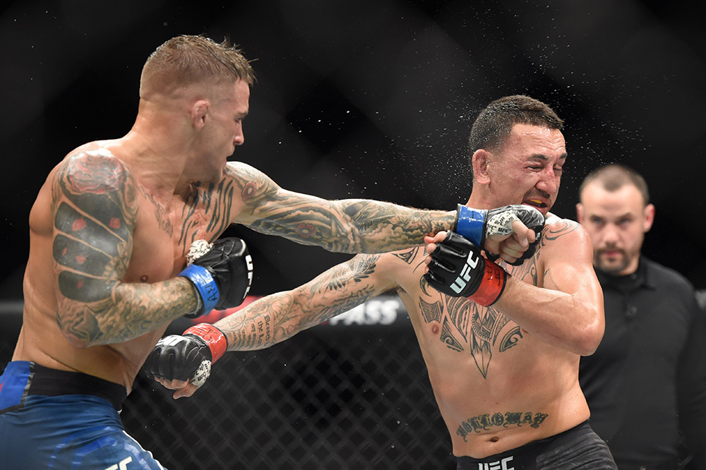 Watch Max Holloway S Son Is Consoled By Dustin Poirier After Ufc 236 War Mma India