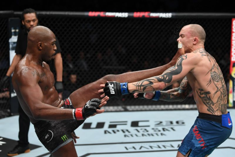 Luke Rockhold on Jon Jones vs Anthony Smith: Maybe he was down to his last picogram! -