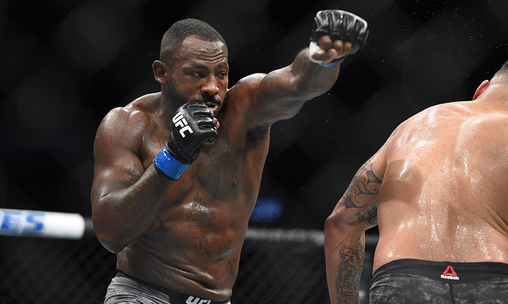 UFC 236 Results - Khalil Rountree Smothers Eryk Anders for Three Rounds -