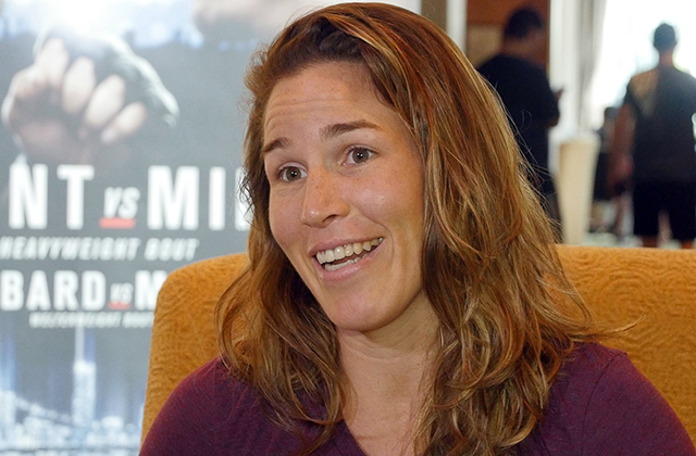 leslie-smith-ufc-fight-night-85-video