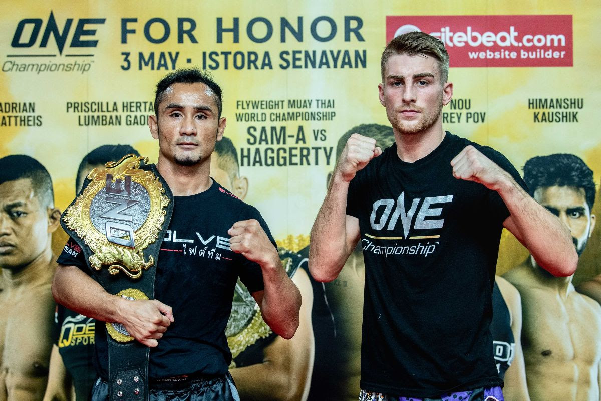 SAM-A GAIYANGHADAO AND JONATHAN HAGGERTY STARE DOWN AT ONE: FOR HONOR OFFICIAL OPEN WORKOUT IN JAKARTA -
